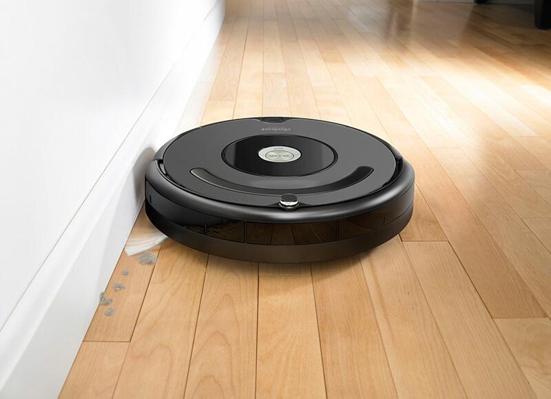 Robotický vysávač Roomba 676